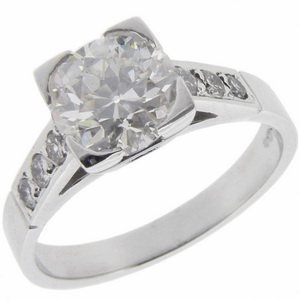 Art Deco Diamond Ring with diamond shoulders - Click Image to Close