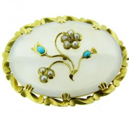 A Chalcedony and Gem Set Brooch