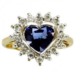 Heart Sapphire & Diamond Ring. A sapphire Cluster ring