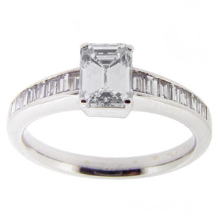 Emerald Cut diamond engagement ring - Click Image to Close